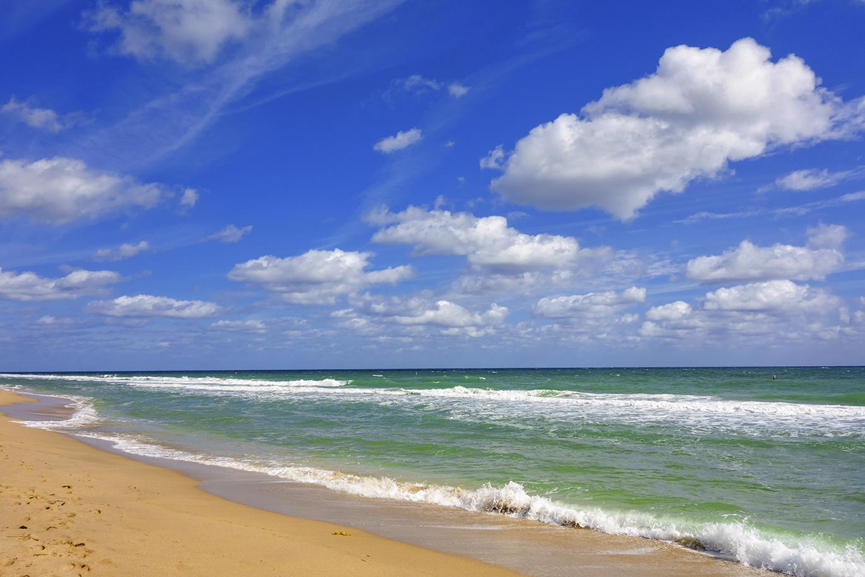 Ocean-Beach-000037859964_Full