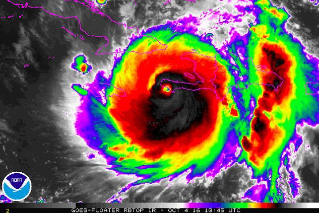 hurricane matthew's eye
