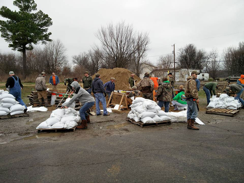 Sandbagging efforts along the Mississippi River