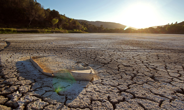 Drought at Lake Hughes in California
